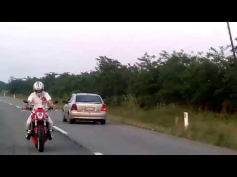 Heavy Modified Honda Hornet Streetfighter Styling and Tuning