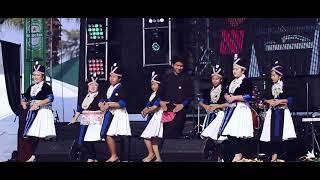 fresno hmong new year 2017-2018-li txais  old song