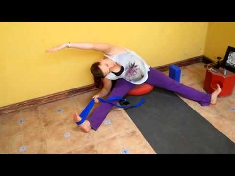 Yoga para embarazadas segundo trimestre - Ejercicios para piernas