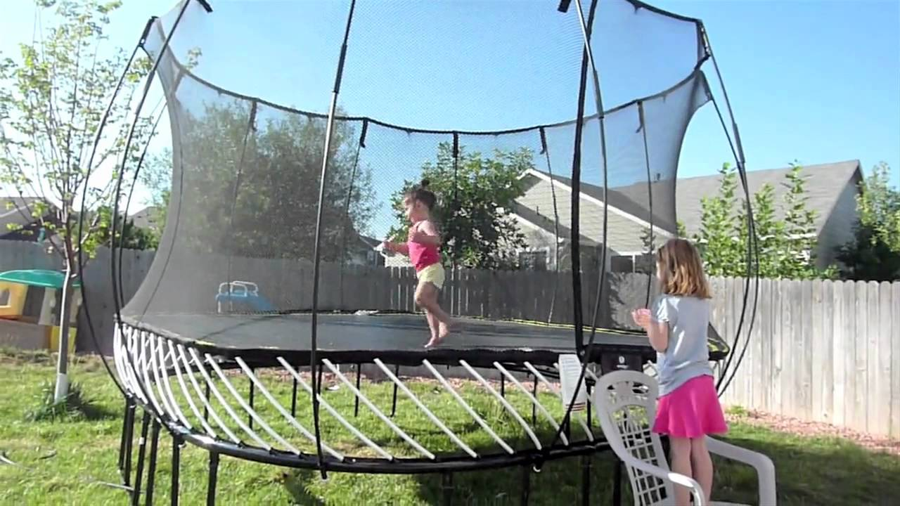 Springfree trampoline customer testimonials youtube for Springfree trampoline