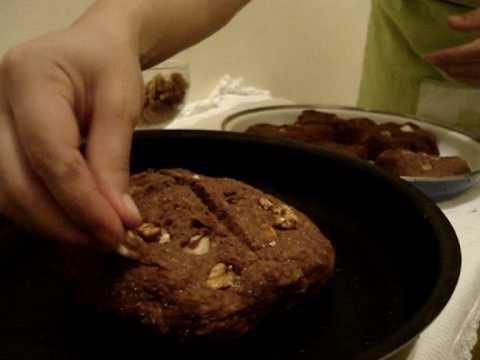 Pão de chocolate com castanhas