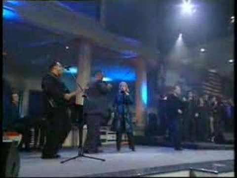 "LAKEWOOD LIVE ""GLORIA"" -We Speak to Nations"