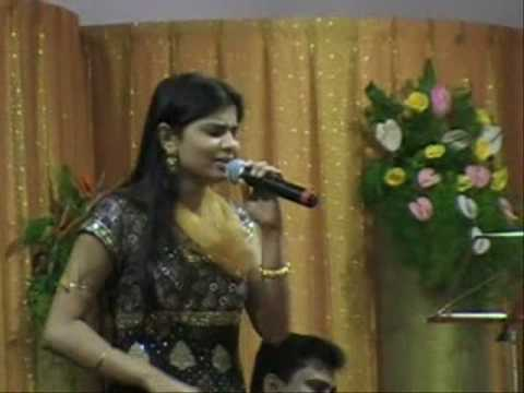 chinmayi in cracker city(maiya maiya)