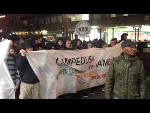 Demonstration in Hamburg für die Flüchtlinge in Deutschland