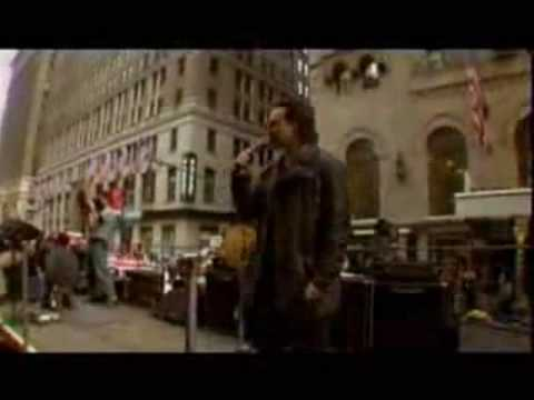 U2 // On a truck through New York City (Brooklyn Bridge 2004)
