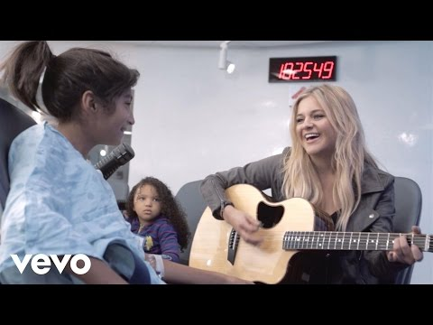 Kelsea Ballerini - Kelsea Visits Children's Health (Vevo LIFT)