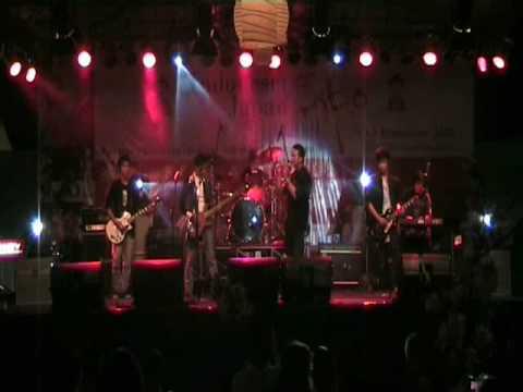 Larc-en-ciel - hitomi no juunin performed by tadaima tribute...