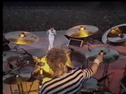 Queen-I Want to Break Free (Live at Wembley) Music Videos