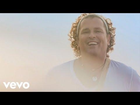 La Tierra del Olvido (2015) (Official Video) feat. Fanny Lu, Fonseca, Maluma, Andrea Ec...