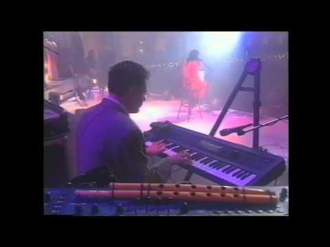 Мумий Тролль - Новая луна апреля (Live @ Гостинный Двор 2000)
