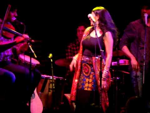 Falu Performs ghumar At Nyc's Joe's Pub video