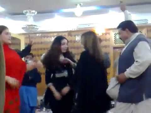 Youtube - Ghazala Javed New Dance In Club.flv video