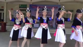 Nkauj Hmoob Nyab laj Dance song Xyoo Tshiab Rov Los Txog + Hu Plig 2017