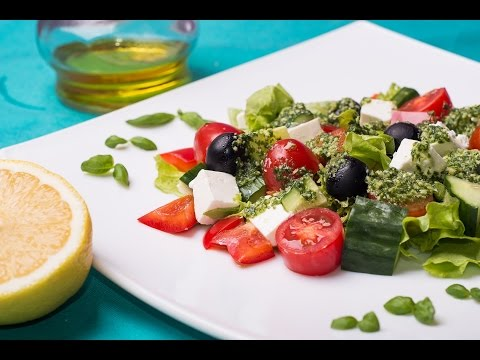 Греческий салат + соус песто