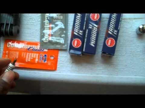 Suzuki GSXR 600 Spark Plug Change Part 1 of 3