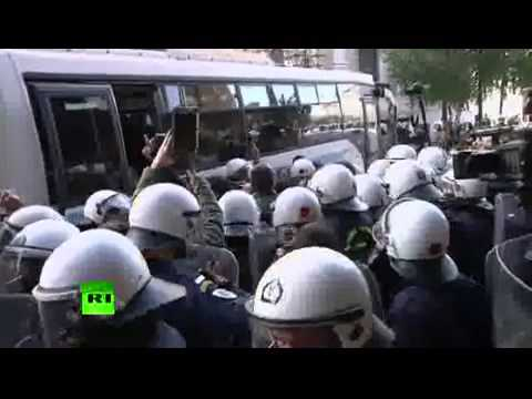The Reality in Greece - No Democracy - Riots 2013 Ministers office