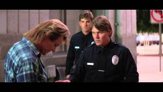 They Live (1988): Cop Scene