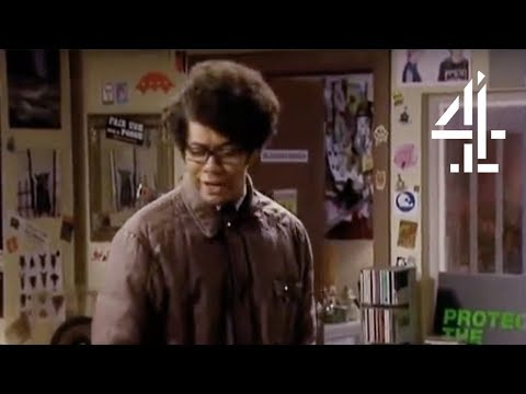The IT Crowd | Bullies On The Bench | Channel 4