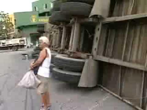 ES TV II - Acidente com caminhão - 10/11/08