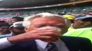 Download Bob hawke sculling beer SCG - India V Australia.mp4 3Gp Mp4