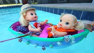 Baby Alive minha Boneca Sara e Duda de Barco na Piscina de Verdade!!! Totoykids