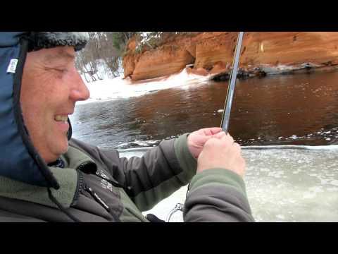 ловля на лесных реках видео