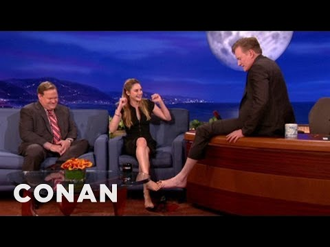 Shailene Woodley Clasps Feet With Conan
