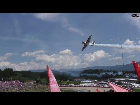 Airshow von Hannes Arch beim Formel 1 Grand Prix von Österreich