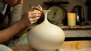 Throwing a Round Bellied Vase with Flared Top - Matt Horne Pottery