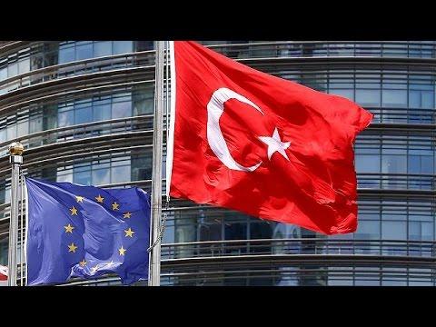 Turquie : Erdogan s'en prend à l'Union européenne et évoque un référendum