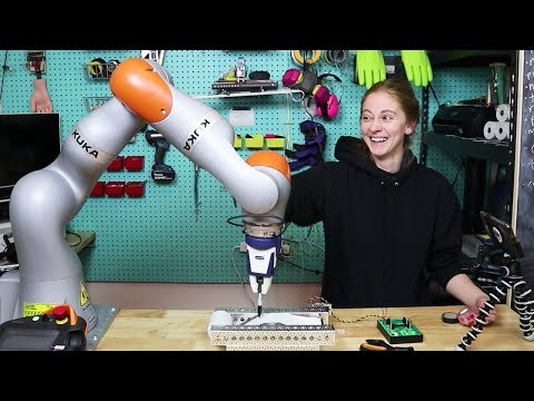 Cover Lagu I made 2000 ugly holiday cards with a $100k robot arm
