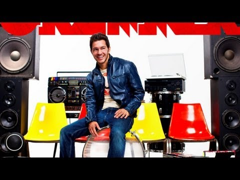 Andy Grammer Teaches Us to Beatbox! - STUDIO SECRETS