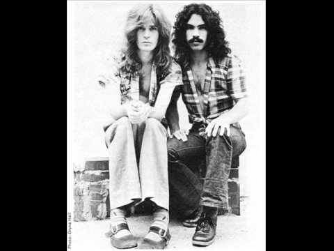 Hall & Oates - A Lot Of Changes Comin