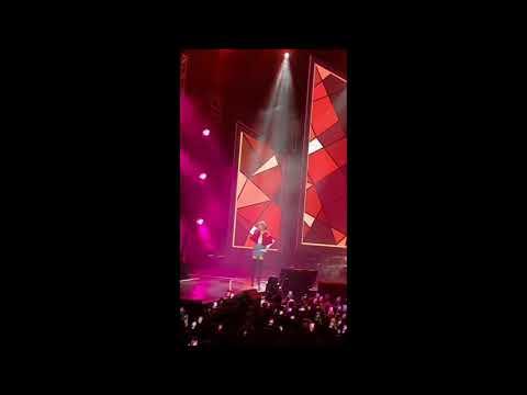 Download FULLNagita Slavina Nyanyi di Konser Rossa Tegar 2.0 Mp4 baru