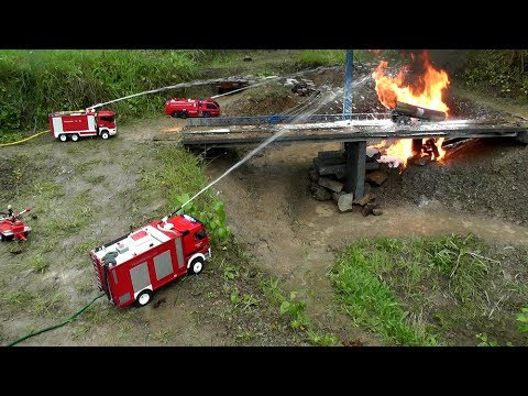 RC HORRIBLE ACCIDENT.RC TANK TRUCK ON FIRE.