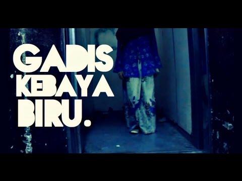 GADIS KEBAYA BIRU