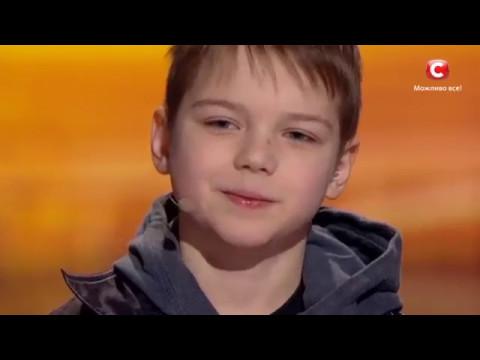 Мальчик с детдома рассказал стих,весь зал плакал