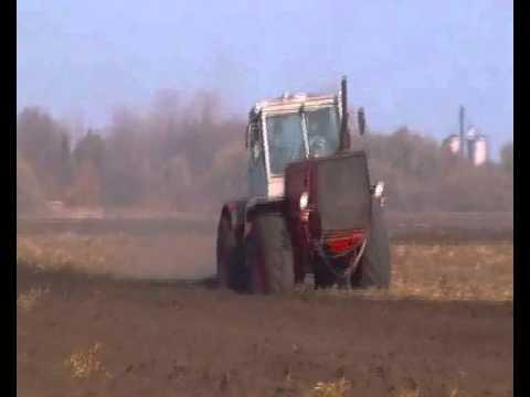 Traktor T-150 szántás Jászszentlászló 2011