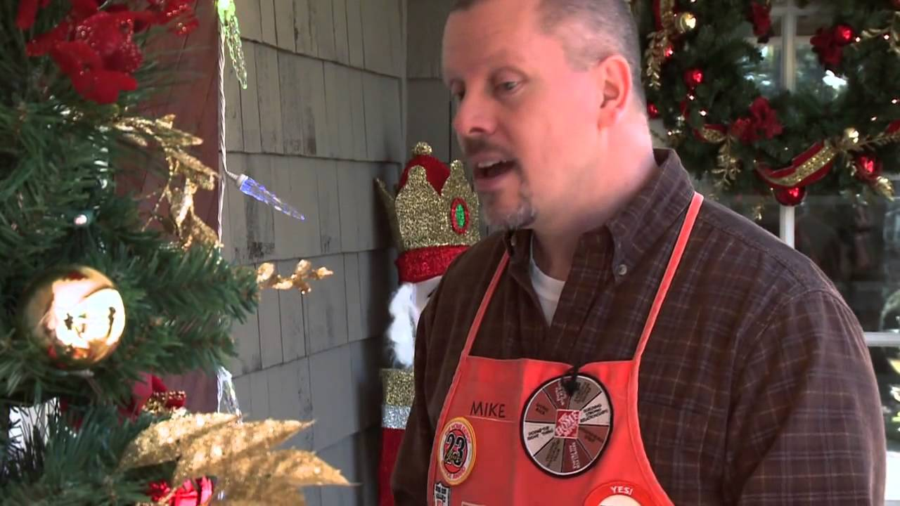 Get Festive With Outdoor Holiday Decorations