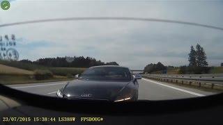 Lucky Audi TT on Autobahn