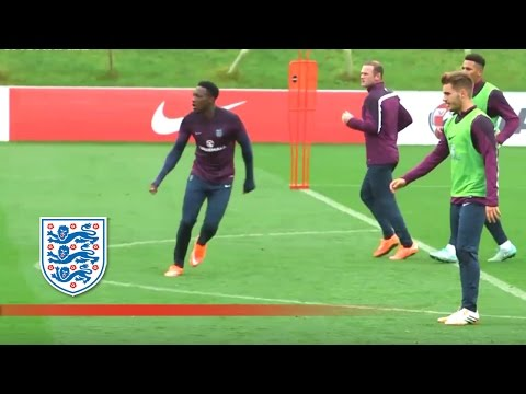 Welbeck, Rooney, Cahill, Sterling practise | Inside Training