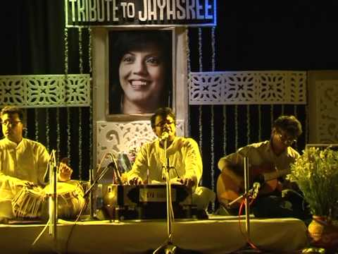Anal Chatterjee Singing Kabirdas Bhajan video