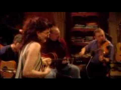Eddi Reader with Boo Hewerdine - Hummingbird