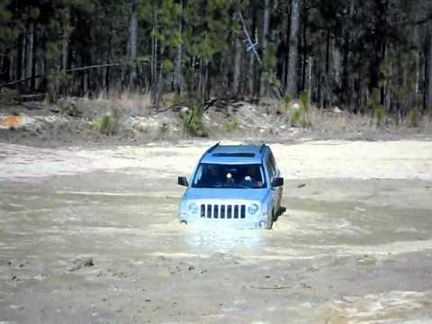 jeep patriot mudding 2