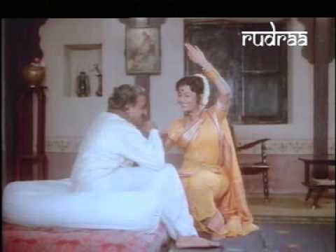 Bharala Aabhal Pavasali Pahuna Gaभरलं आभाळ पावसाळी पाहुणा  Ek Hota Vidushak, एक होता विदुषक   Mpeg4 001 video