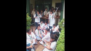 RUCKUS OUTSIDE MARGAO POLICE STATION, MAHILA CONGRESS DEMAND DEATH PENALTY TO ACCUSED RAPISTS