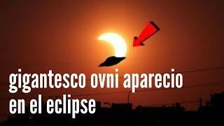 GIGANTESCOS OVNIS APARECEN EN ECLIPSE SOLAR ROBANDO ENERGIA PARA SUS PLANETAS