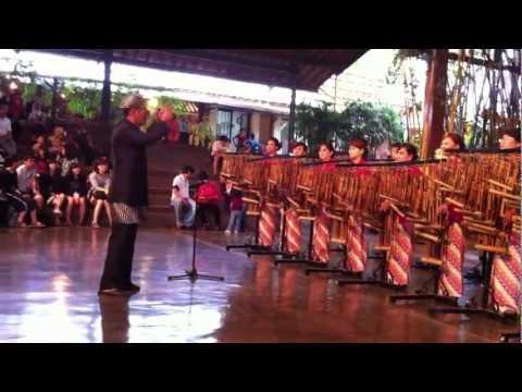download lagu Bohemian Rhapsody At Saung Angklung Udjo gratis