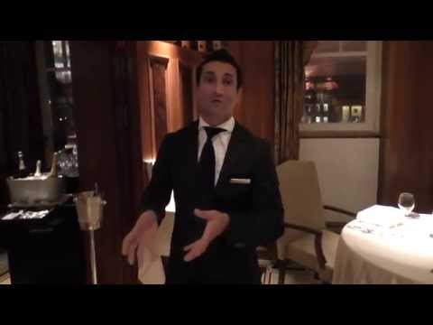 Shahab Jalali presents the wines at the Michelin star Lorenz Adlon Esszimmer
