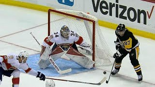 Gotta See It: Crosby swats puck out of mid-air to score on Reimer